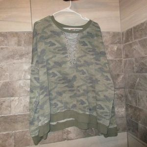 ARIZONA WOMENS CAMO SWEATHSHIRT SZ 3X